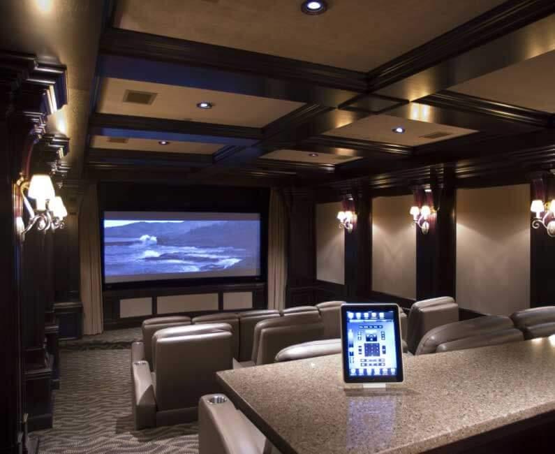 מקרנים לקולנוע ביתי - חדר הקרנה פרטי בבית